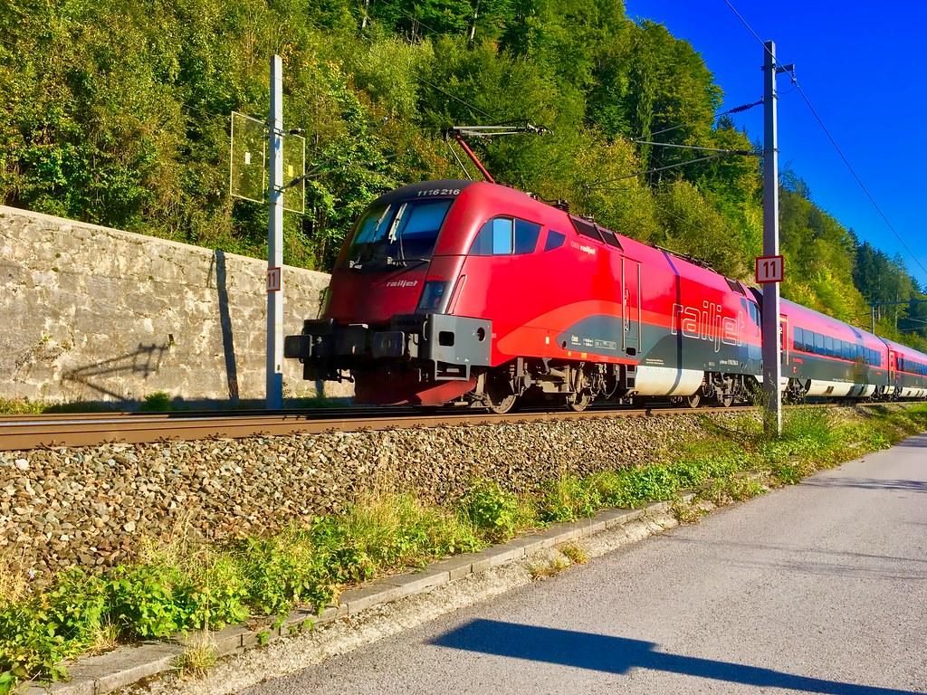 ÖBB Railjet Express
