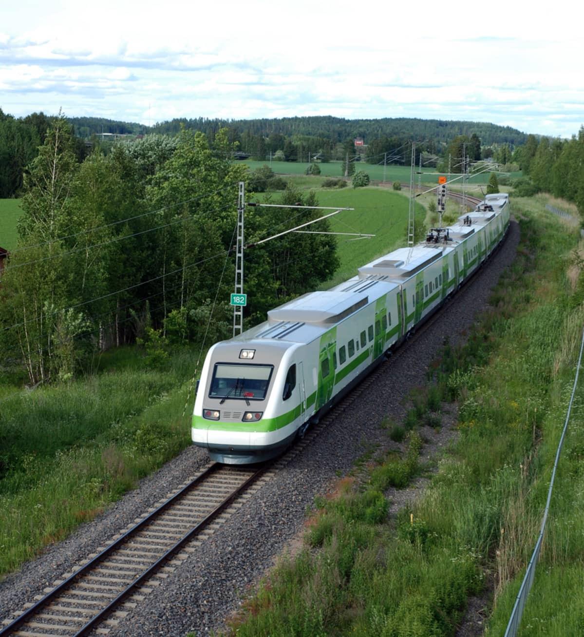 VR Pendolino train