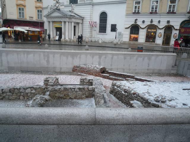 ウィーンは古代ローマ帝国と同じくらい早くから存在していました。当時ヴィンドボナと呼ばれていたものの遺跡は、市内中心部で見ることができます。