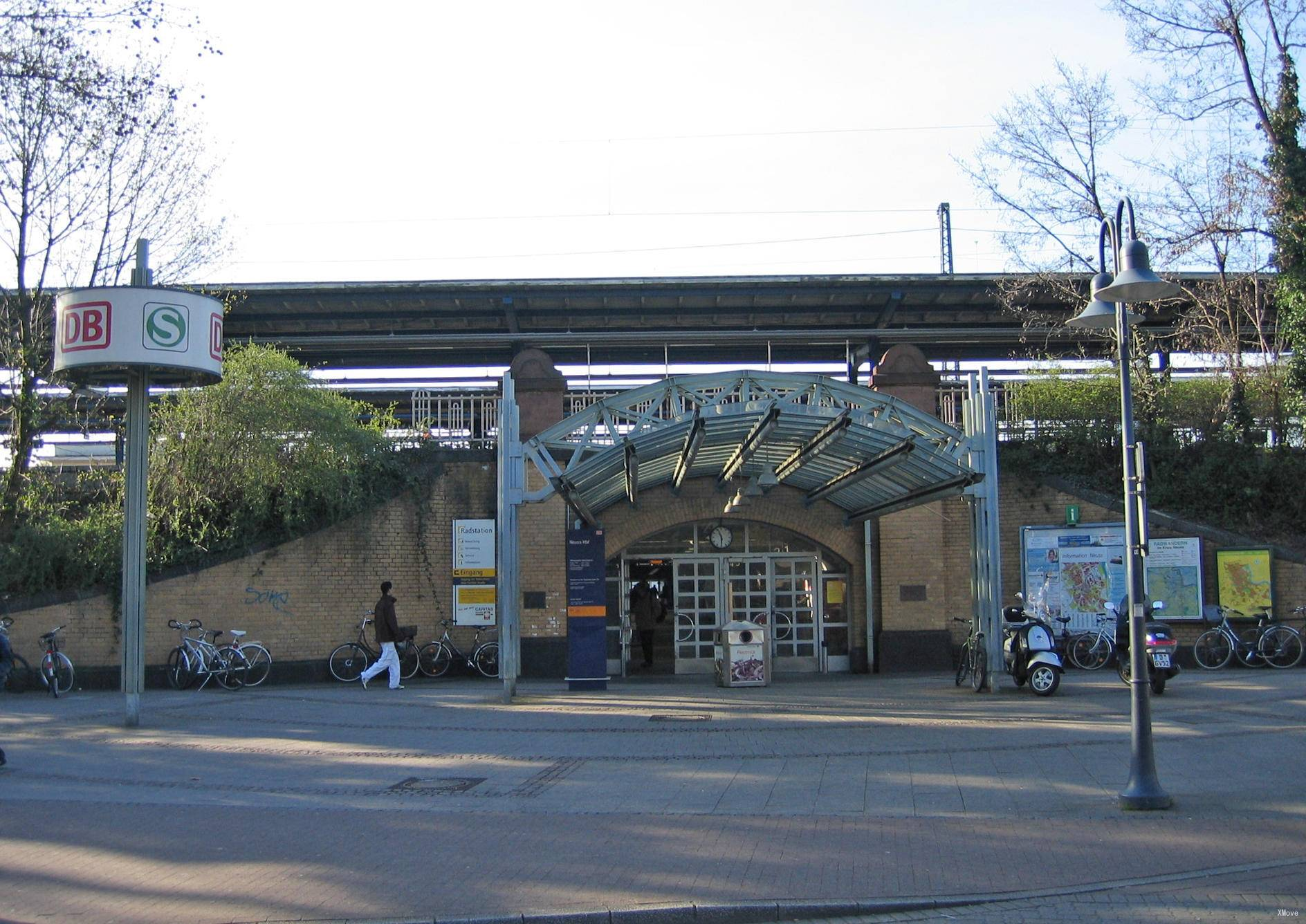 station building photo